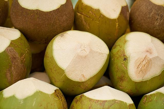 čerstvé kokosy